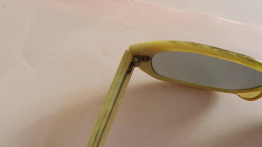 08abfbfbdb Wearable - 1960s Vintage Polaroid Sunglasses for sale from Flintage ...